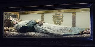 mayat Santo Zita masih utuh dan tidak rusak selama ratusan tahun
