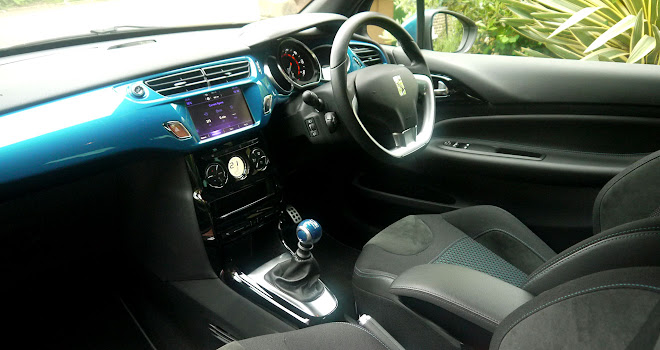 DS 3 front interior
