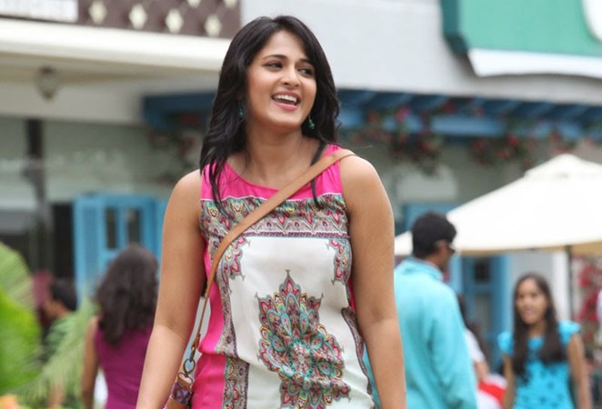 South Indian actress Anushka Shetty salary for per movie, big screen actress, model Income pay per movie, she is in 2nd position of top 10 list Highest Paid in 2016