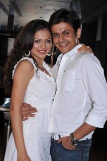 Foto Drashti Dhami dengan suaminya Neeraj Khemka