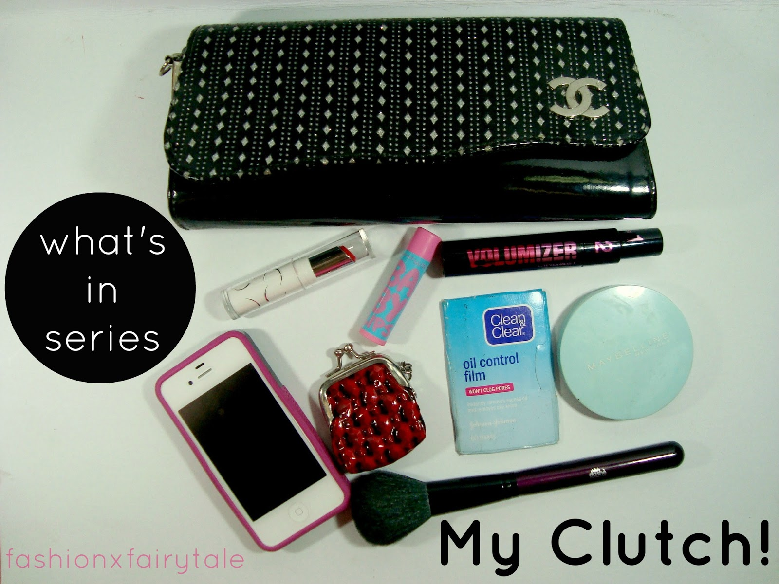 What's in my Clutch?