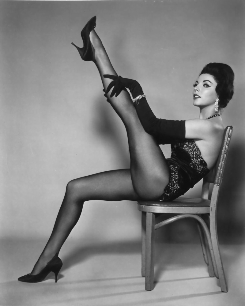 It's The Pictures That Got Small ...: THE SATURDAY GLAMOUR 15!Patricia Laffan Legs