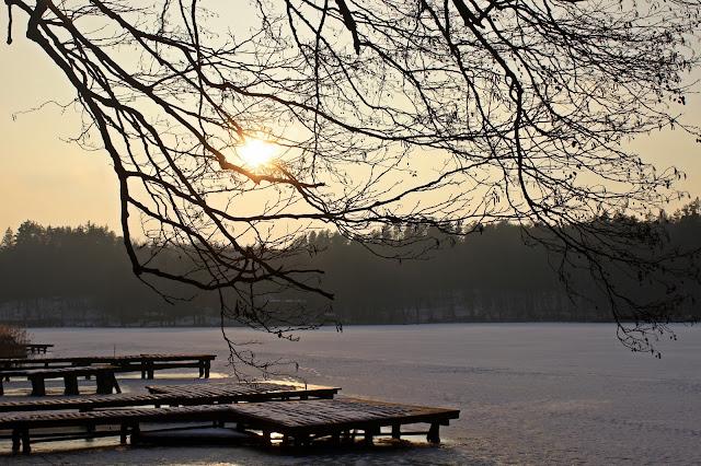 Zimowe jezioro Dłużek