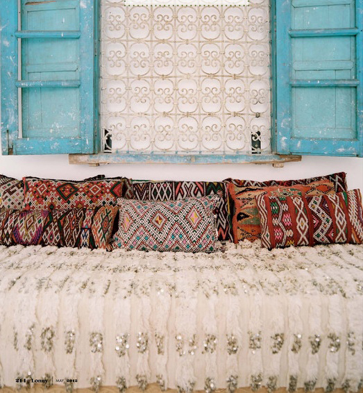 New Moon to Moon: Beyond Marrakech Handira: Moroccan Wedding blankets AU97