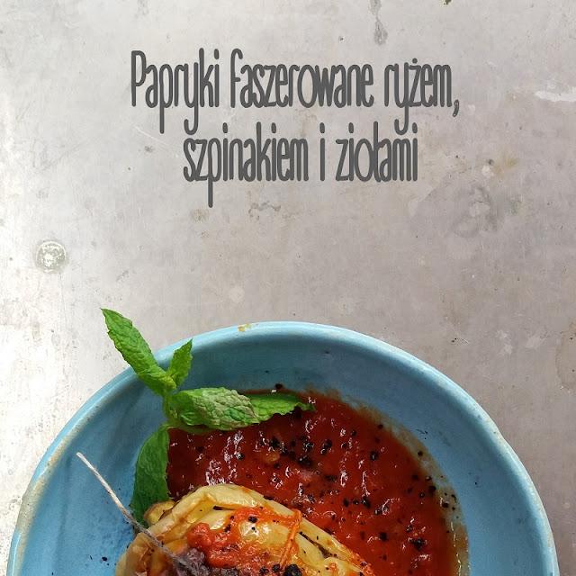 Papryki faszerowane ryżem, szpinakiem i ziołami