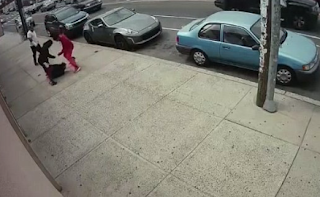 Shocking Moment Gang Beats And Robs Man In Broad Daylight