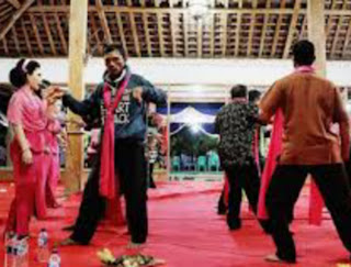 Lestarikan Kesenian Tayub Bojonegoro Jawa Timur
