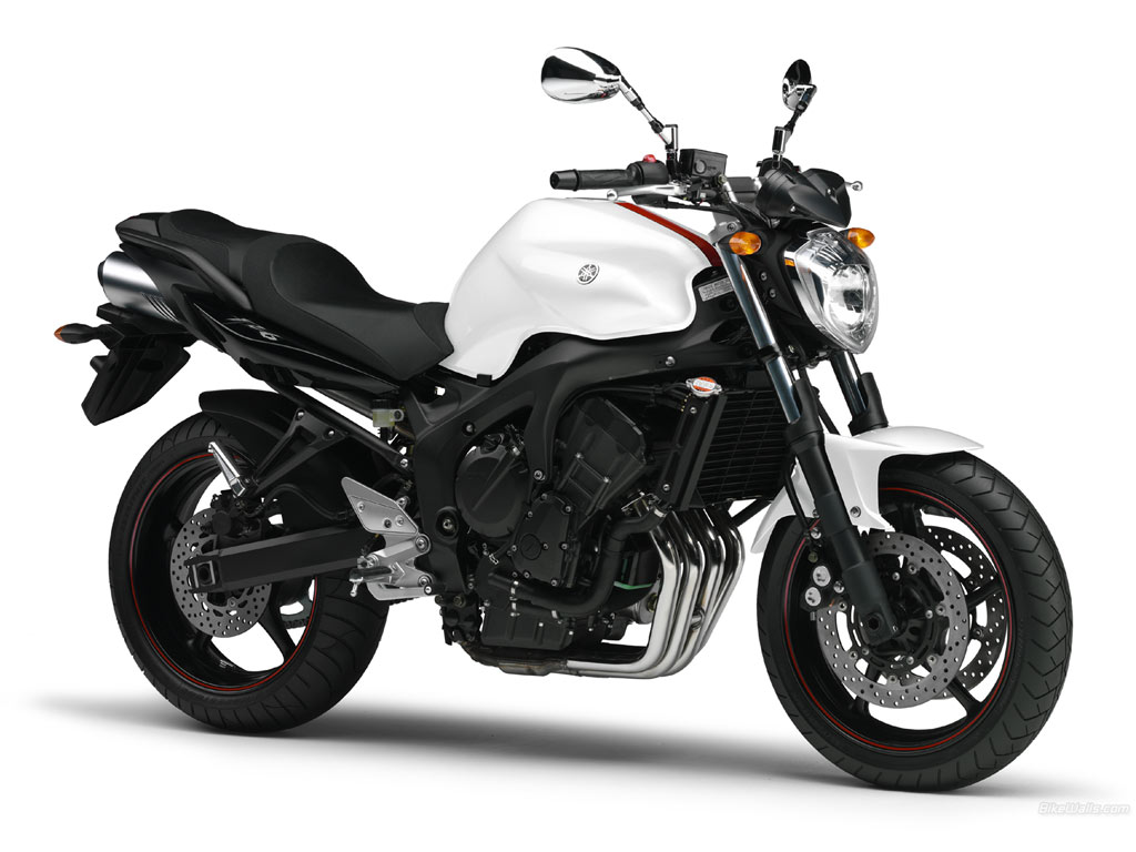 Motor Bikes: Yamaha FZ...