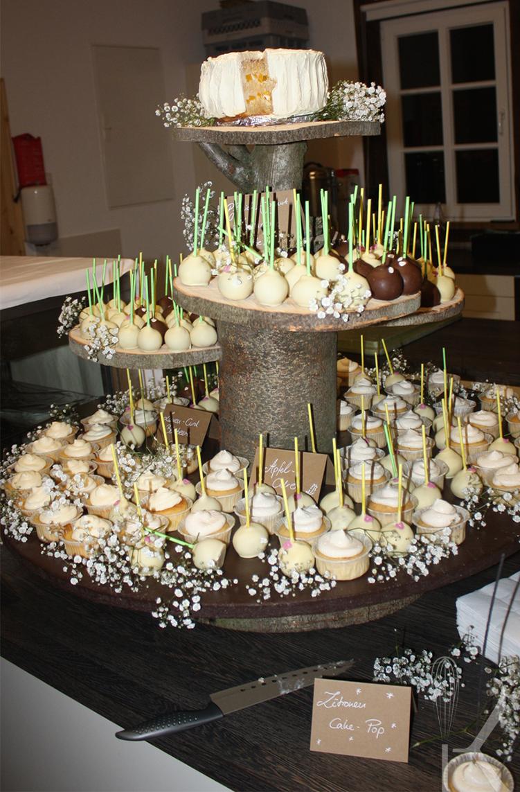 Kochhandwerk Fotostrecke Hochzeitstorte Aus Cakepops Und Cupcakes