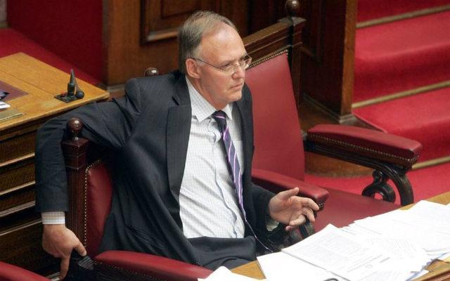 Απόφαση κόλαφο για τον πρώην υπουργό της ΝΔ Πέτρο Δούκα και την εμπλοκή του στο σκάνδαλο του Βατοπεδίου, με την οποία αθωώνεται ο Κώστας Βαξεβάνης για όσα είχε αποκαλύψει το 2012 μέσω της εκπομπής «Το Κουτί της Πανδώρας» στην ΕΡΤ, εξέδωσε το Εφετείο της Αθήνας.