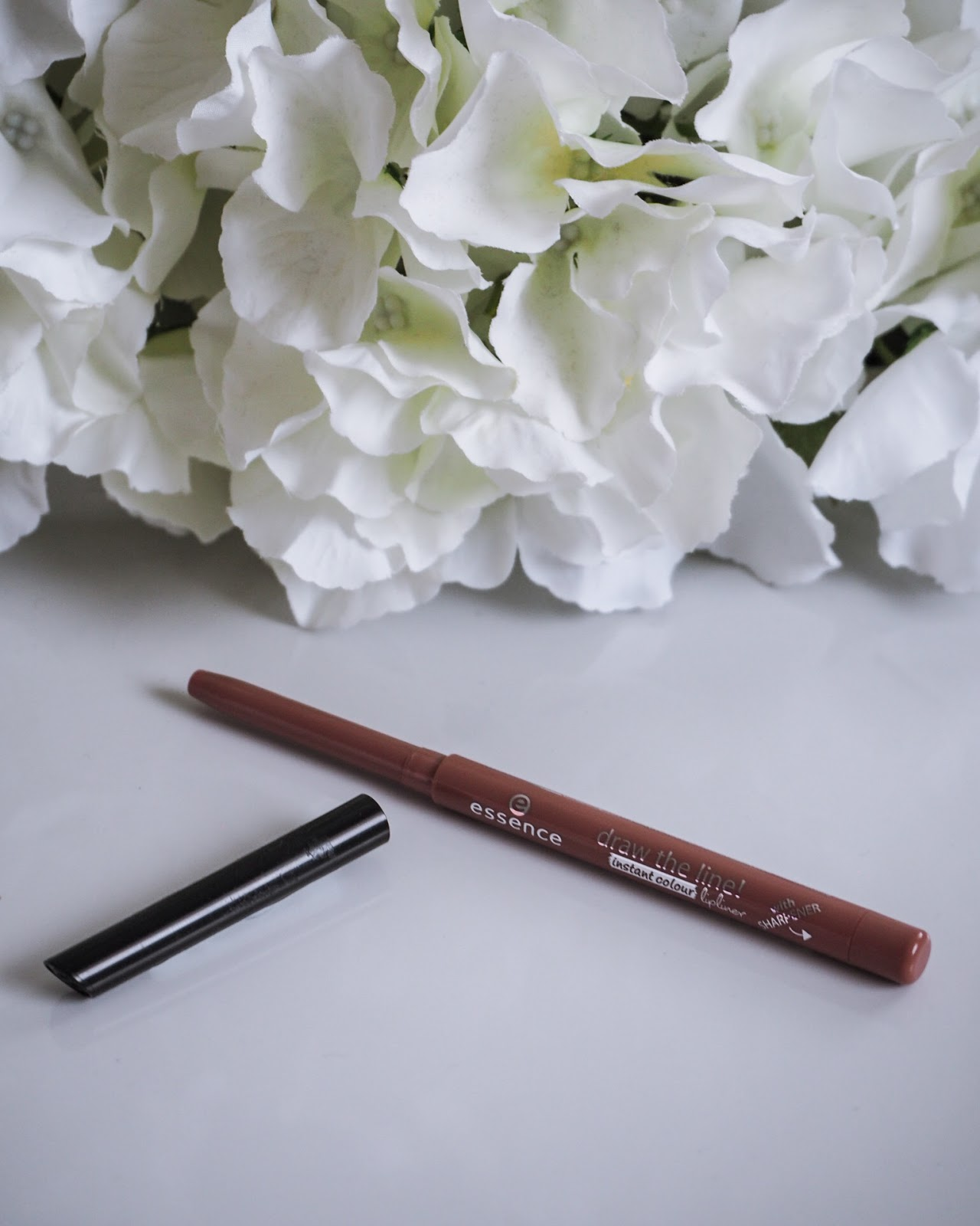 Draw The Line Instant Colour Lipliner
