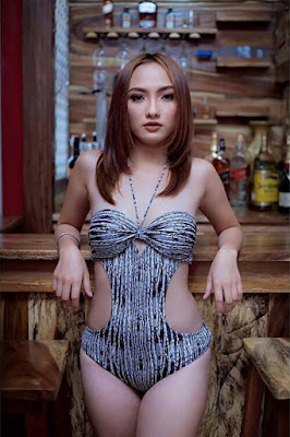 Hot and sexy photos of beautiful pinay hottie chick freelance model Miecole Bonecillo photo highlights on Pinays Finest Sexy Photo Collection site.