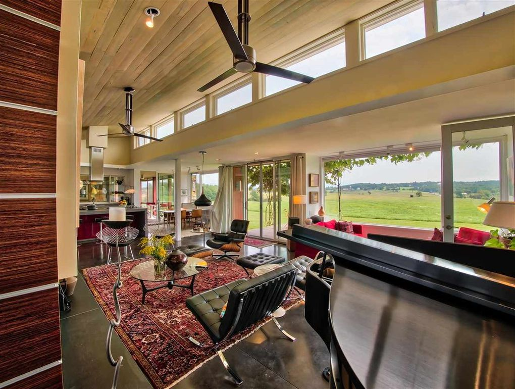 Modern house plans by gregory la vardera architect for The family room vermont