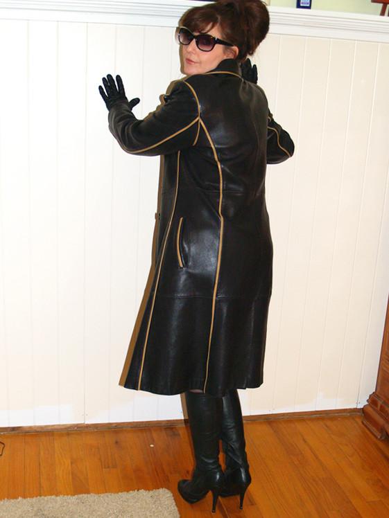 Leather Leather Leather Blog Mature Leather Woman-2285