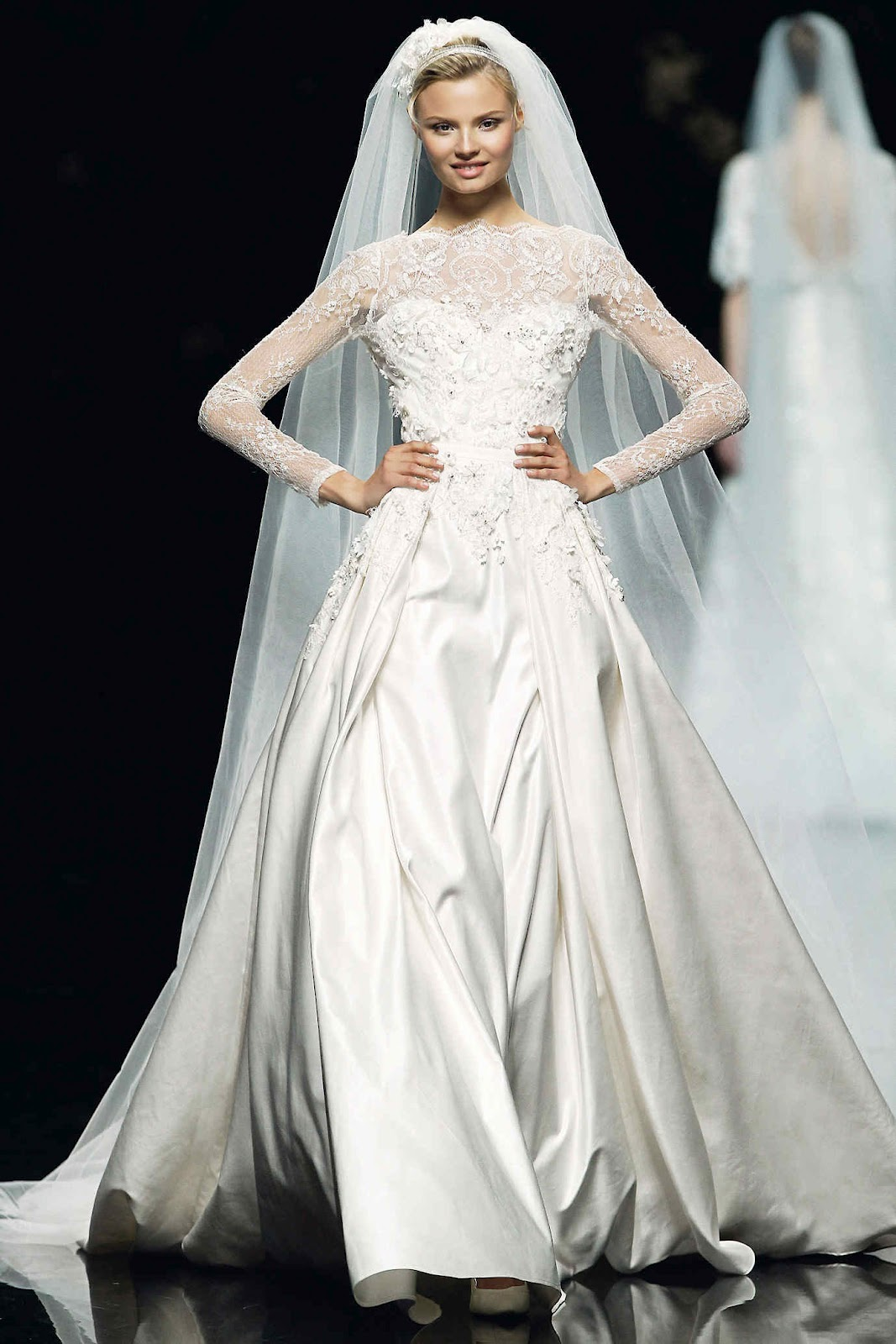 amore beauty fashion wedding bell wednesday elie saab barcelona bridal week 2012. Black Bedroom Furniture Sets. Home Design Ideas