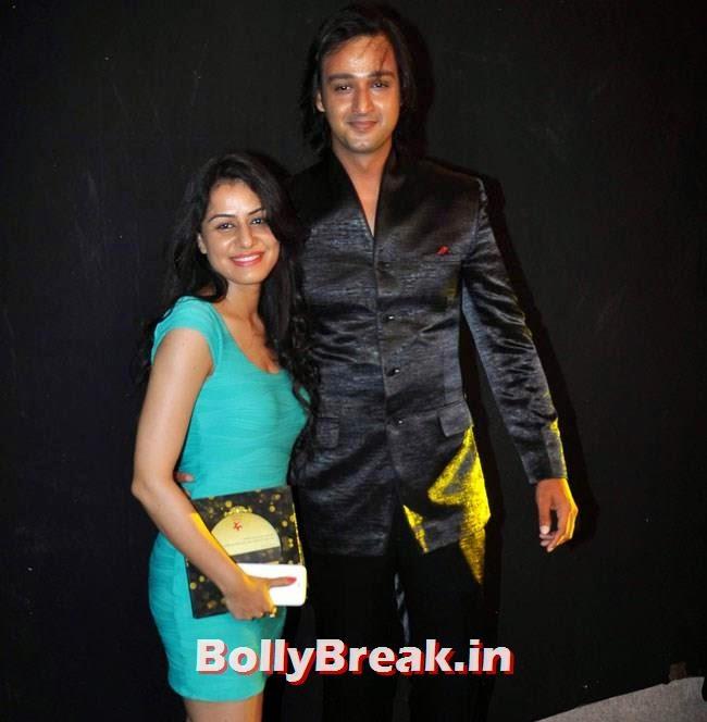 Saurabh Raj Jain along with his wife Riddhima, Star Parivaar Awards 2014 Red Carpet Pics