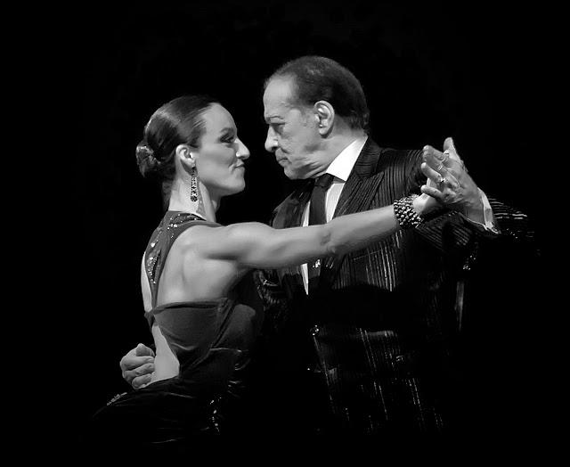 Juan Carlos Copes y  Soledad Rivero bailando tango