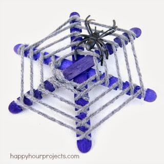 Çubuklardan Örümcek Ağı Yapımı