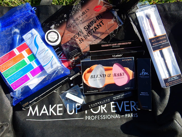 The Makeup Show LA Swag Bag - www.modenmakeup.com