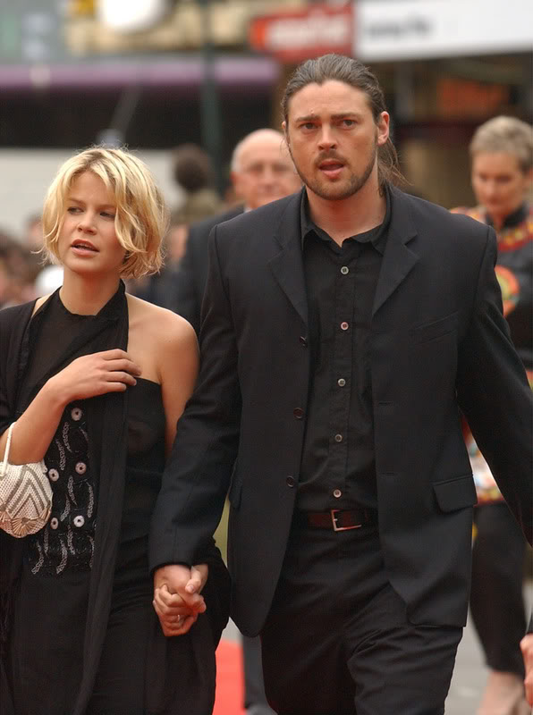 Hollywood All Stars: Karl Urban with Wife Pics 2011