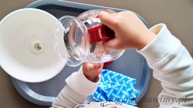 Przelewanie wody - życie praktyczne