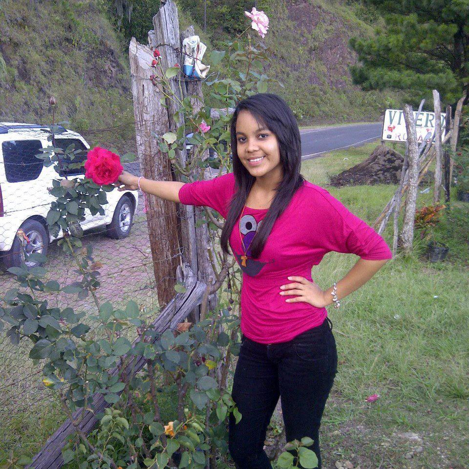 Galeria de fotos de mujeres hondure as for Fotos de chicas guapisimas