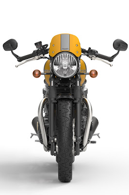 2016 Triumph Street Cup front view