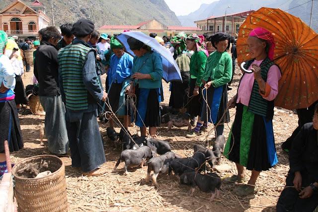 Meo Vac market - Ha Giang 3