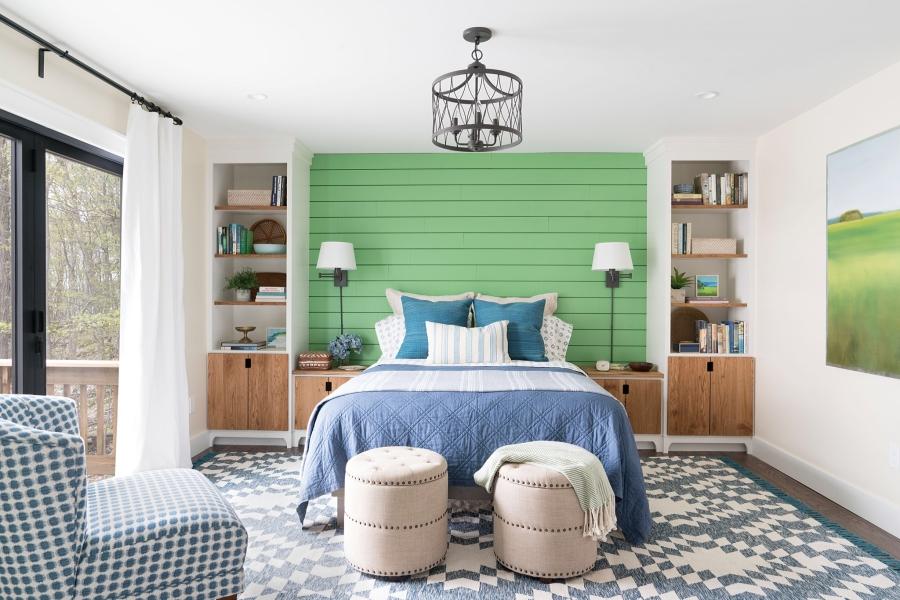 Przytulny dom nad jeziorem, wystrój wnętrz, wnętrza, urządzanie mieszkania, dom, home decor, dekoracje, aranżacje, styl Hamptons, styl rustykalny, rustic style, styl skandynawski, scandinavian style, sypialnia, bedroom