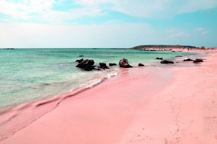 The Unique Pink Sands Beach in Harbour Island, the Bahamas