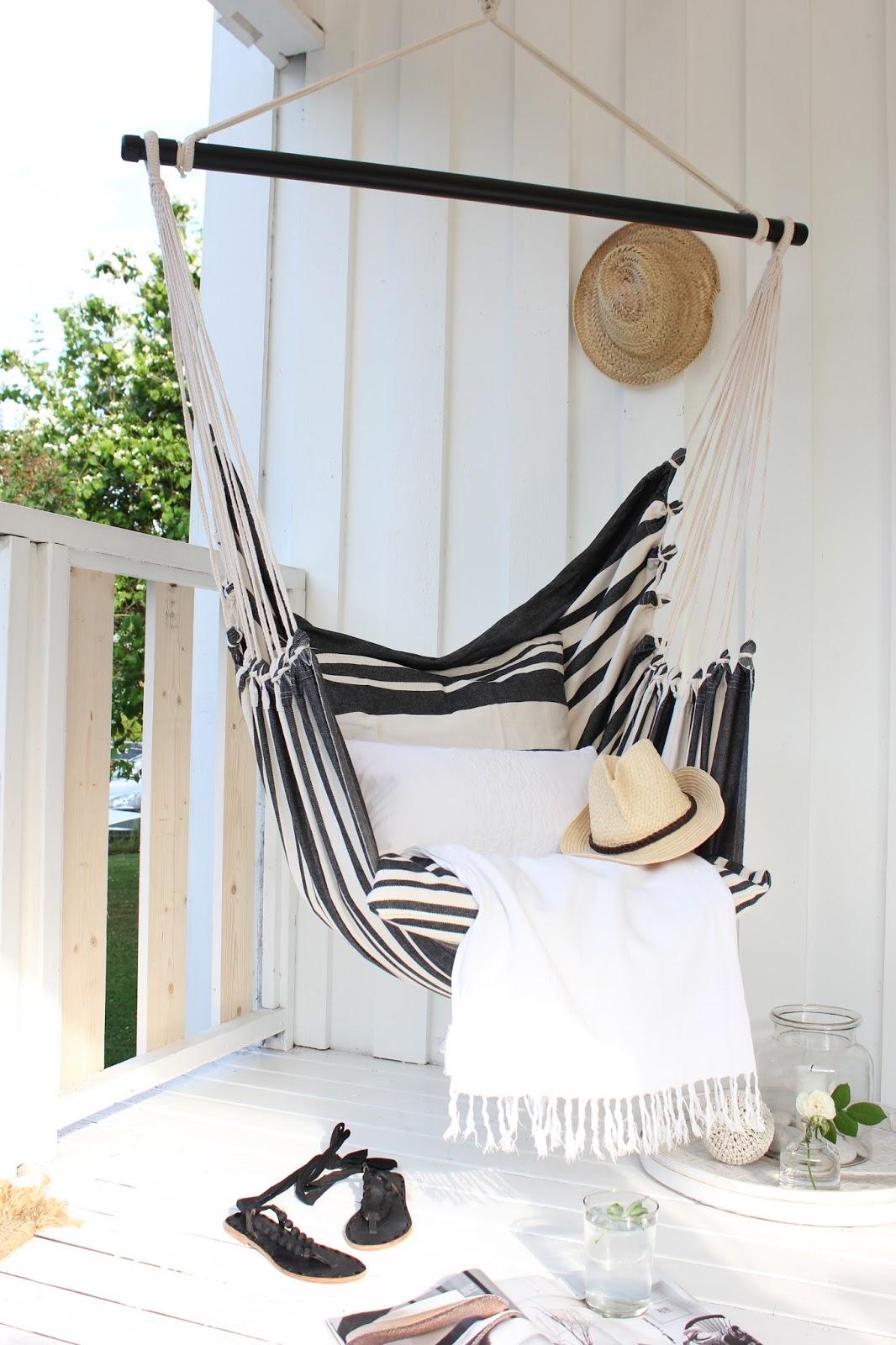 apartment balcony hammock