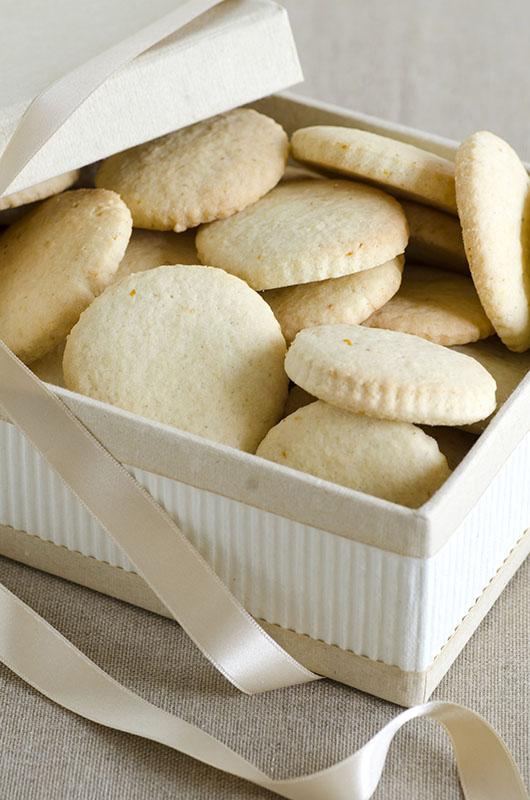 scatola di biscotti della nonna