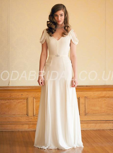 Vogue Garden/Outdoor Spring Fall Sleeveless Beach Floor-Length Beading Summer Wedding Dress – Price:GBP £ 98.83