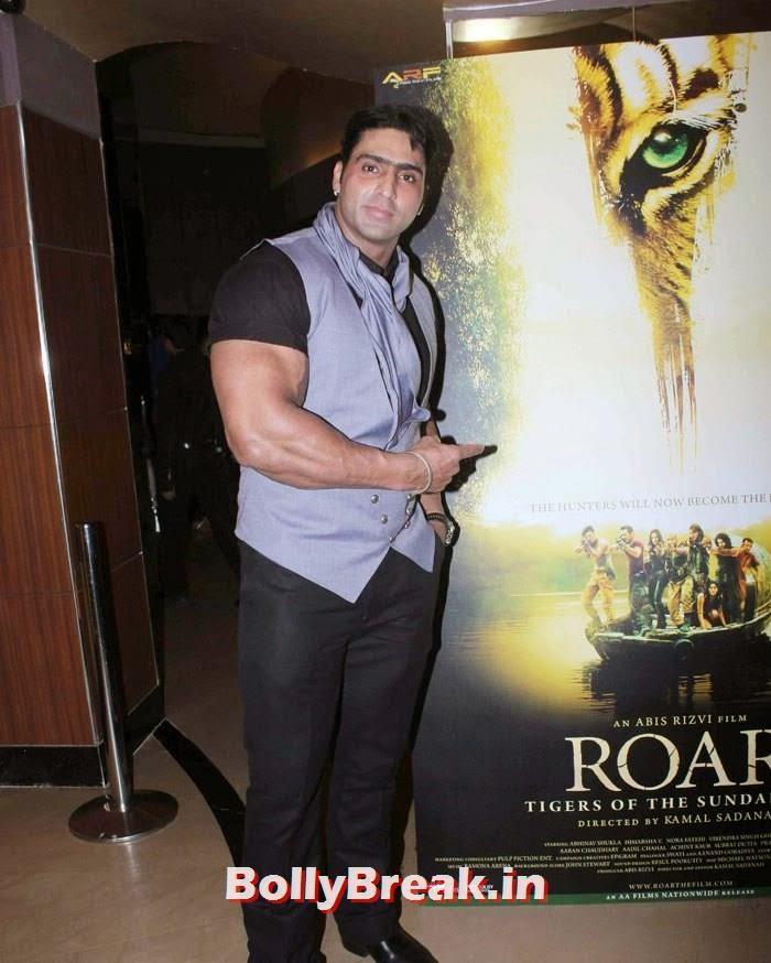 Varinder Singh, Celebs at 'Roar' Movie First Look Launch