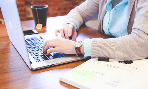 Keuntungan Menggunakan Payroll Outsourcing