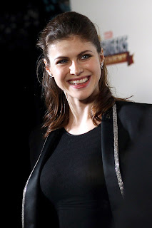 Alexandra Daddario Looking Hot In New Pics With Tight Black