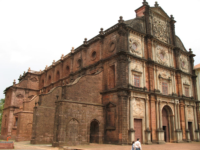 3-Basilica-of-Born-Jesus-in-Goa