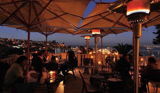 Restaurantes a noite em Valparaíso