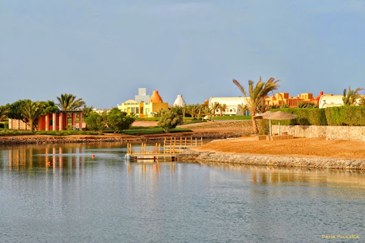 Tribute to Michael Graves. Architecture in El Gouna, Egypt