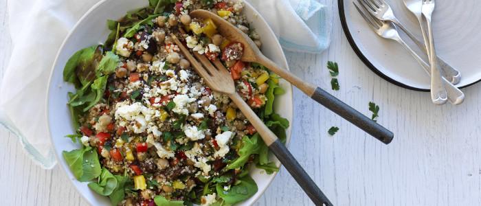 Šios salotos yra su Bolivine balanda ir avinžirniais, taip pat praturtintos kitų Viduržemio jūros regiono skonių. Palyginamos su tobulumu, gaminant šias salotas naudojamai karamelizuoti svogunai. Verta pasigaminti gaives ir lengvas salotas!