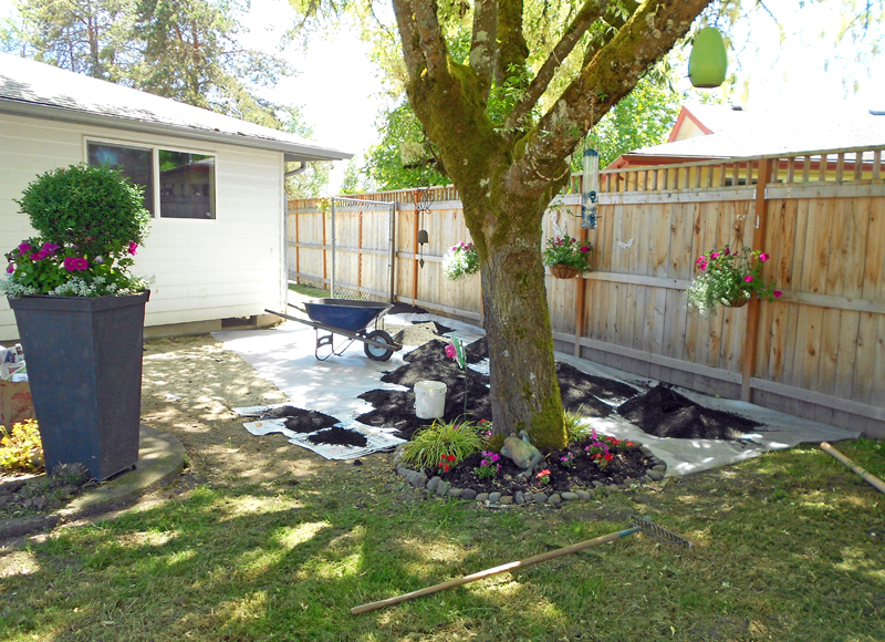 abby: backyard makeover - DIY crushed rock patio