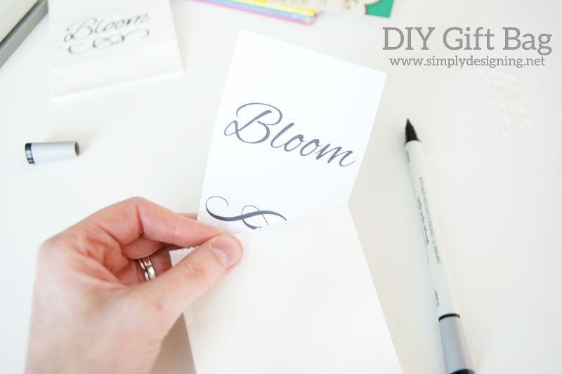 How to Perfectly Pen a Bag | #handwriting #wedding #gift #giftbag