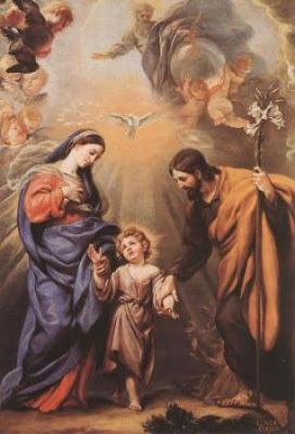 En la imagen San Jose y la Virgen Maria llevan de la mano al Niño Jesus.