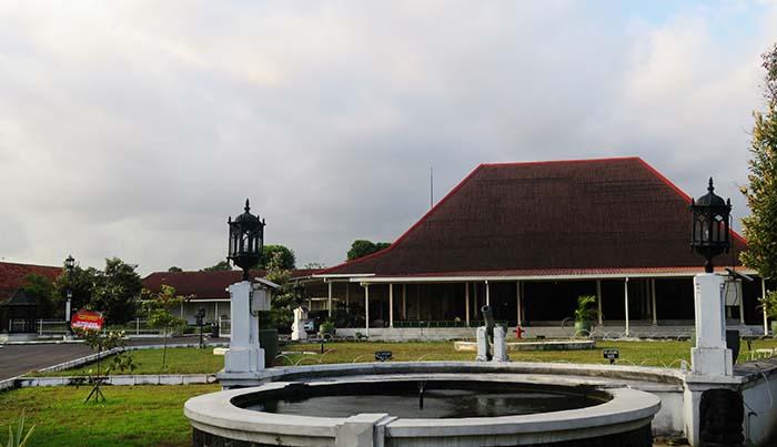 Taman Depan Puro Pakualaman