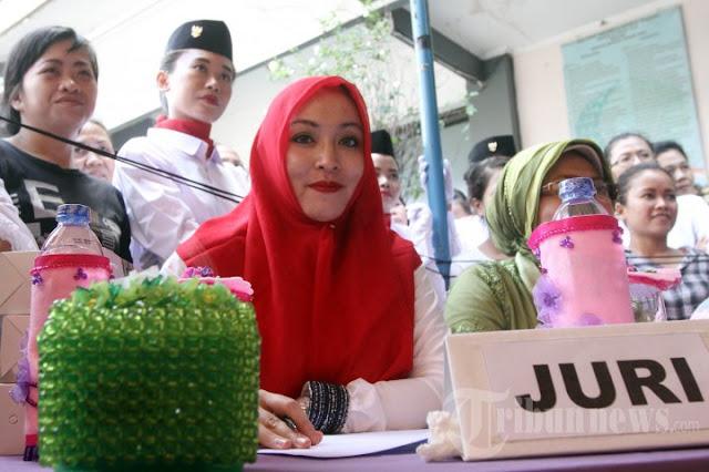Di Penjara, Angelina Sondakh Hafal Alquran 15 Juz
