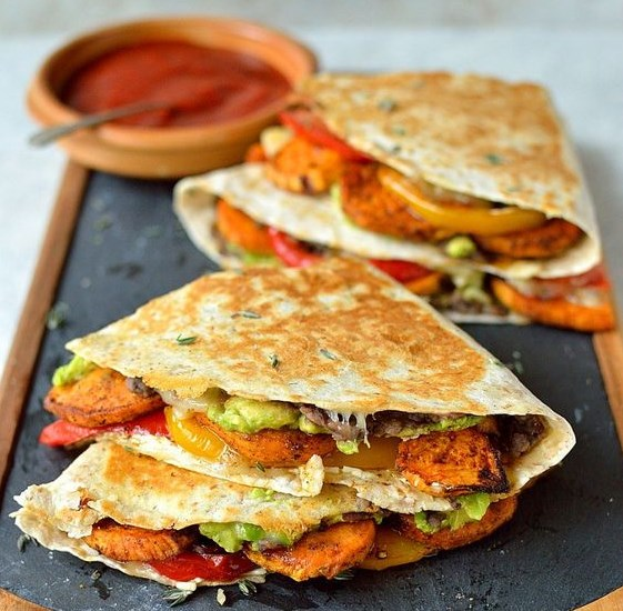 LOADED VEGGIE QUESADILLAS #Veggie #HealthyRecipe