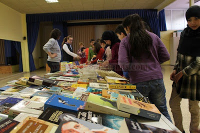 http://www.advaldepenas.com/articulo/educacion/ceip-luis-palacios-muestra-solidaridad-afanion-mercadillo-solidario-libros/20160420094140079880.html