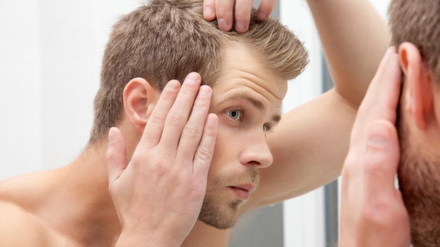 La máscara para el refuerzo de las raíces de los cabello con las vitaminas