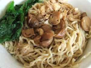 Kuliner Indonesia - Mei Ayam Jamur Kumango