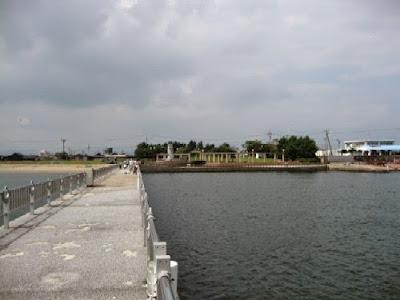 三重県鈴鹿市白子海岸の堤防